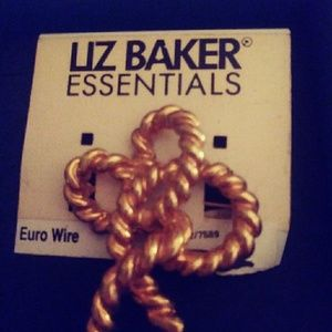 Liz Essentials